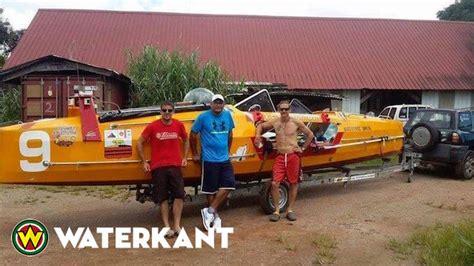 Roeien Uitspraak by Suriname Vertegenwoordigd Bij Franse Roeiwedstrijd Waterkant