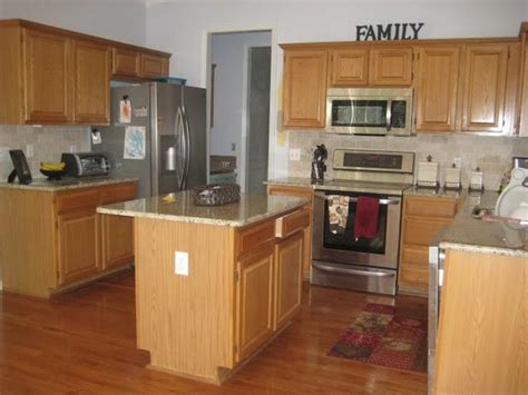 oak kitchen cabinets for your bloombety best kitchen design with oak cabinets kitchen