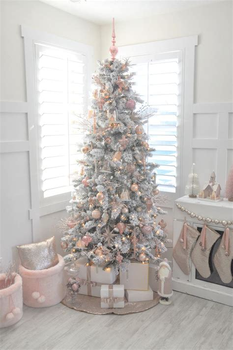 30 Best Decorated Christmas Trees 2017