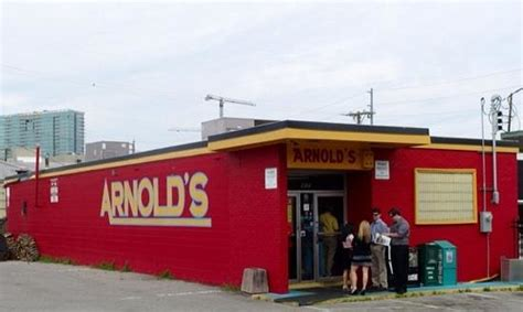Arnold's Country Kitchen Dress Code