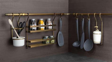 des rangements malins pour agrandir les petites cuisines
