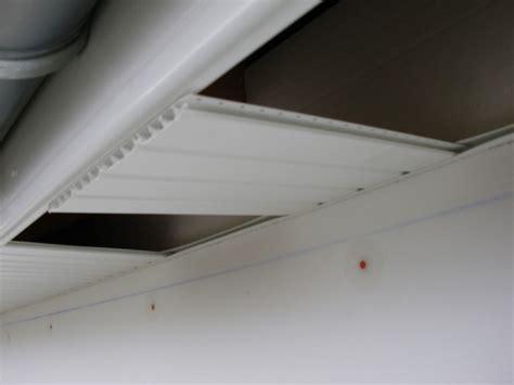 lambris pvc dessous de toit autoconstruction