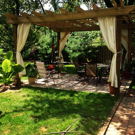 Tips To Building Your Own Beautiful Pergola!  Old World