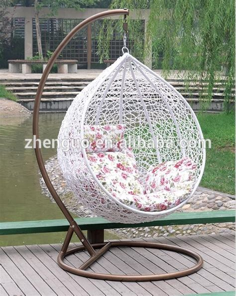2017 comfortable cheap rattan hanging chair hanging egg