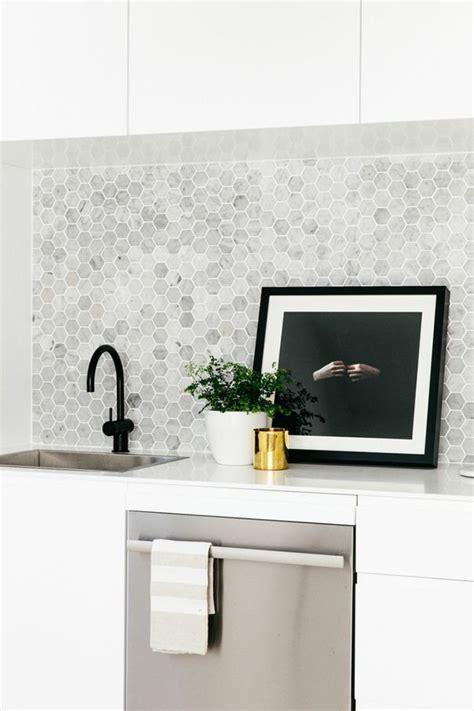 1000 id 233 es sur le th 232 me carrelage adhesif sur carrelage smart tiles et salles de bain
