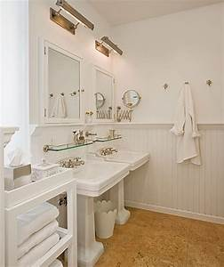 Brooklyn Home Company : cork floor cottage bathroom the brooklyn home company ~ Markanthonyermac.com Haus und Dekorationen
