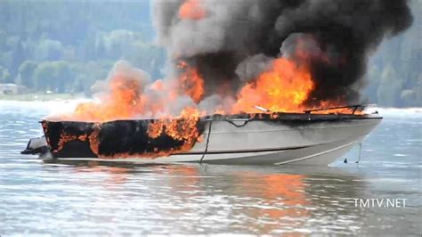 Boat R Safety Beach by Kootenay Lake Boat Fire Tmtv News Youtube