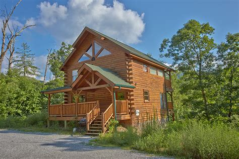2 bedroom cabins in gatlinburg pigeon forge tn