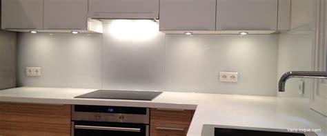 cr 233 dence en verre laqu 233 pour votre cuisine verre laque