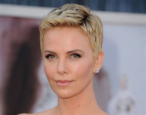 Lassen Sie Sich Inspirieren Edgy Haircuts Short Partial Braids Hairstyle Haircut Kylie Jenner Indian Wedding Hairstyles On Pinterest For Shoulder Length Hair Parties Split Down Middle Growth Injections Medium Over 60