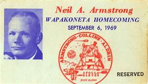 Lot Detail - Neil Armstrong Christmas Card Archive