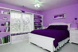 Lila Im Schlafzimmer : lila zimmer erscheinen als eyecatcher im haus ~ Markanthonyermac.com Haus und Dekorationen