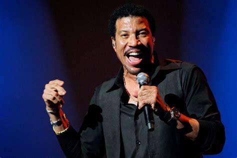 Hello! Lionel Richie To Perform In Leeds