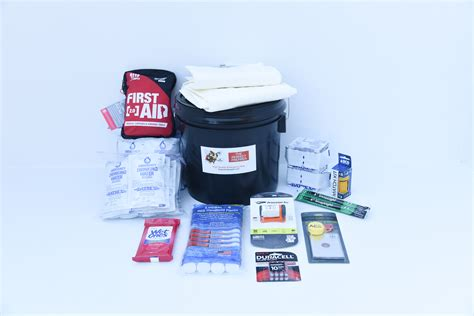 Boat Flares Shelf Life by Boat Kit Small Boat The Perfect Prepper