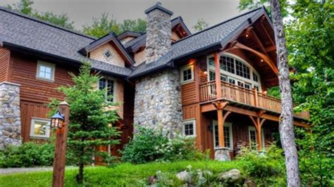 Canada's Cottage Country A Big Attraction For Celebrities