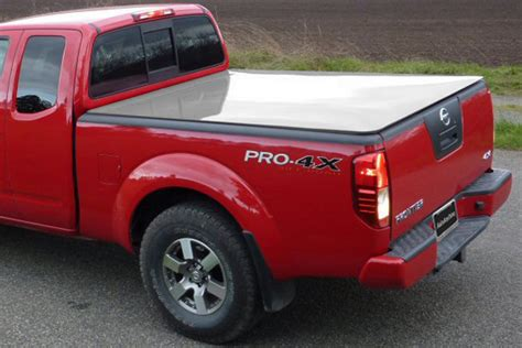 Nissan Frontier Bed Cover by 2005 2015 Nissan Frontier Hinged Tonneau Covers