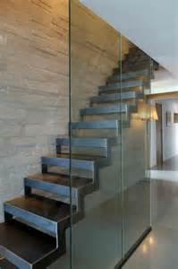 les 25 meilleures id 233 es de la cat 233 gorie escalier m 233 tallique sur escalier bois