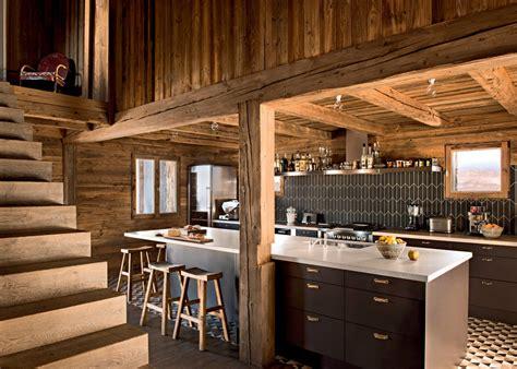 une cuisine en bois pour une ambiance chalet de montagne maison