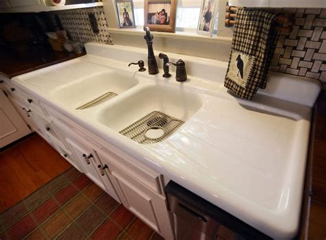Choosing Your Black Cast Iron Kitchen Sink Pictures For Living Room Walls Furniture Cheap Western Accessories Ideas Paintings Decor Modern Sofa Pillows Best Track Lighting