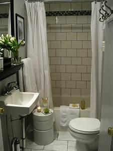 Deko Ideen Badezimmer : einfache kleine badezimmer deko ideen haus deko ideen interessant badezimmer dekorieren ideen ~ Markanthonyermac.com Haus und Dekorationen