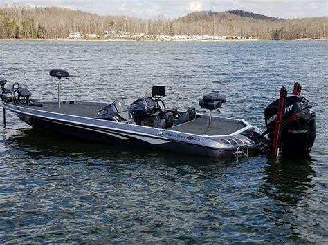 Phoenix Bass Boat Vs Legend by 231 Best Images About Bass Boats On Pinterest Legends