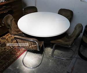 Runder Weißer Tisch : gro er runder esstisch wei er tisch besprechungstisch ausziehbar 70er jahre ~ Markanthonyermac.com Haus und Dekorationen