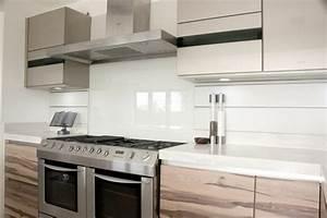 Glasrückwand Küche Beleuchtet : gestaltungsideen f r moderne k che glasr ckwand ~ Markanthonyermac.com Haus und Dekorationen