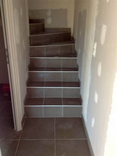 peindre un escalier en bois les petits travaux de flo recouvrir un escalier en carrelage