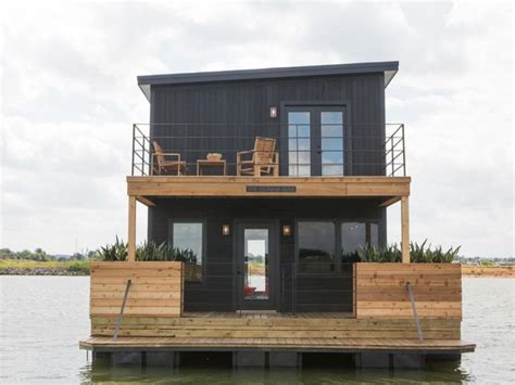 Fixer Upper Black Houseboat by 1000 Images About Chip Joanna Fixer Upper Loveeee This