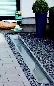 Wasserlauf Garten Modern : die besten 17 ideen zu wasser im garten auf pinterest brunnen im garten garten wasserbrunnen ~ Markanthonyermac.com Haus und Dekorationen