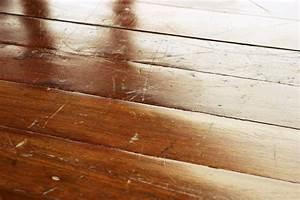 Kratzer Aus Ledercouch Entfernen : kratzer auf holzboden so entfernen sie sie ~ Markanthonyermac.com Haus und Dekorationen