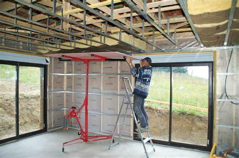 comment poser un faux plafond en plaque de pl 226 tre