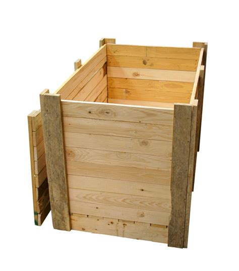 wooden packing crates boxes pallets timber packing cases