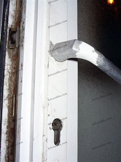 questions menuiserie maison enlever une poign 233 e de porte pvc vitr 233 e