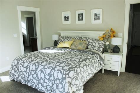 How To Decorate A Bedroom Simply And With Style Parquet Flooring Sanding Mohawk Ontario Kitchen Natural Stone Vinyl Plank Slate Look Carpet And Newmarket Gym Clark Rubber Top Quality Services Inc North Charleston Sc