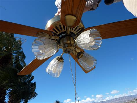 which direction should ceiling fan blades go in summer