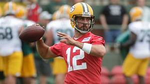 Aaron Rodgers, Green Bay Packers quarterback, not focused ...
