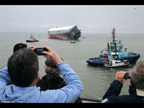 Tug Boat Accidents Youtube by Hoegh Osaka A Tug Boat Crash In Southton January 4