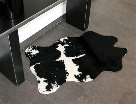 tapis peau de vache synth 233 tique noir et blanc mycocoonstore
