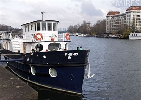 Romantic Houseboat Rental Seattle Washington by Good Extrior Colors Navy Blue White Grey And A Touch Of