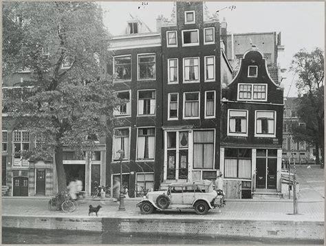 Museum Plein Amsterdam Parking by Huis Met Gevel Onder Rechte Lijst In Amsterdam Monument
