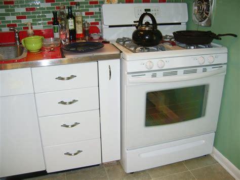 craigslist kitchen cabinets mills pride hartford maple cabinets mills pride cabinets craigslist