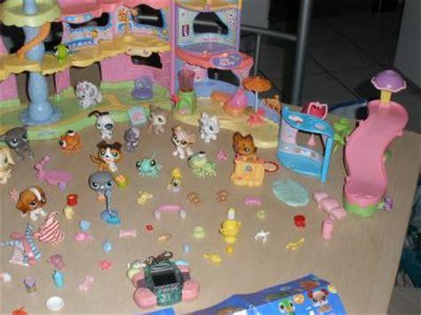 vend lot 27 petshop accessoires maison ville tamagotchi forum jeux et jouets magicmaman