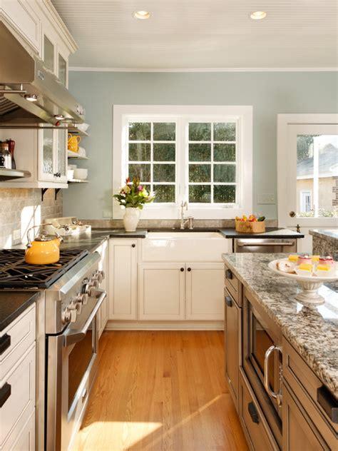 """modern"" Country Kitchen"
