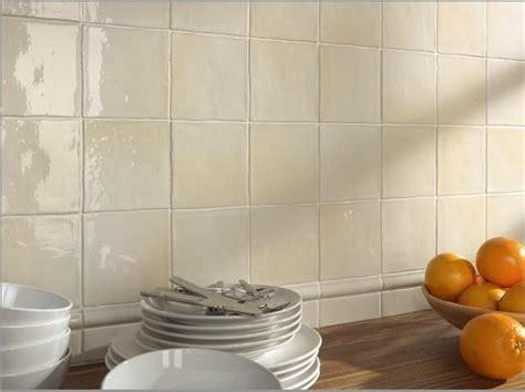 carrelage sol et mur mural manises hueso brillo 13x13 cm carrelage mural fa 239 ence au bords