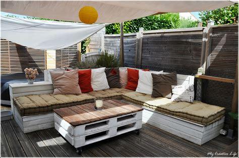 canap 233 d angle ext 233 rieur bois et table basse palette photo de jardin my cr 233 ative de