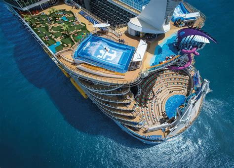 Pictures Of The Biggest Boat In The World by 10 Largest Cruise Ship In The World Of 2018