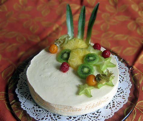 decoration gateau avec fruits
