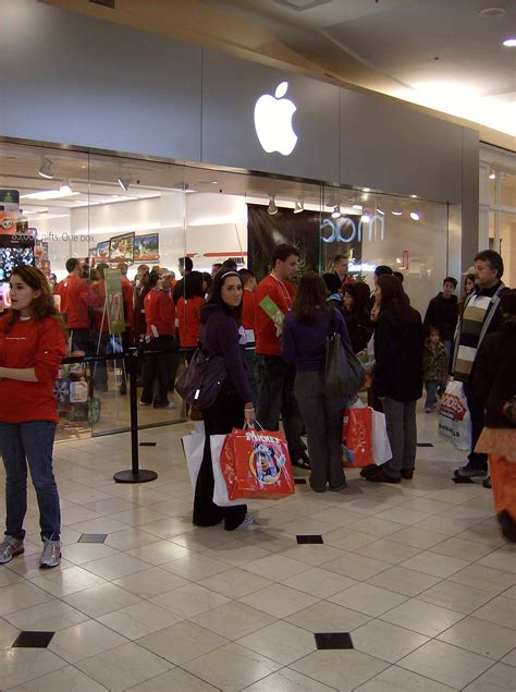 apple gardens mall apple black friday promotion enthusiastic cyber