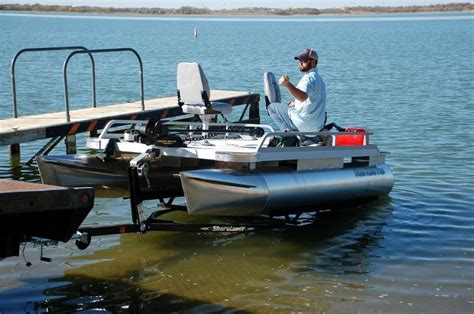 Little Pontoon Boat by 1000 Ideas About Small Pontoon Boats On Pinterest